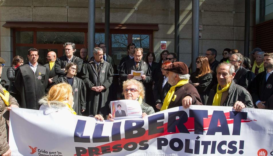 Movilització davant dels jutjats de Reus