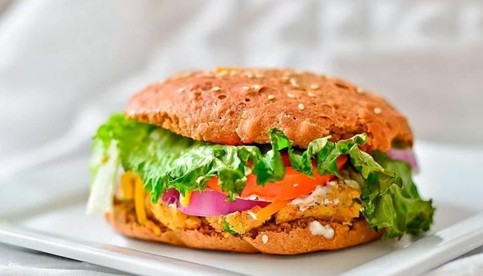 Imatge d'una hamburguesa de soja.