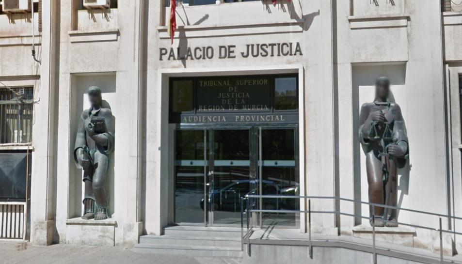 Imatge de la façana exterior de l'Audiència Provincial de Múrcia.