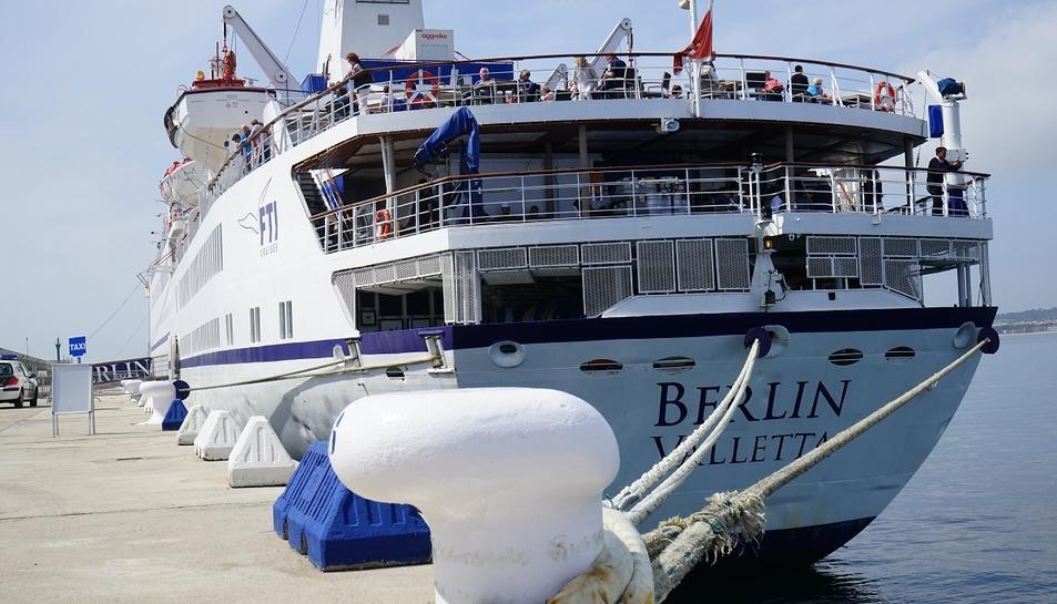 El Berlin ha arribat de Tarragona procedent de Cartagena i té com a destinació Barcelona.