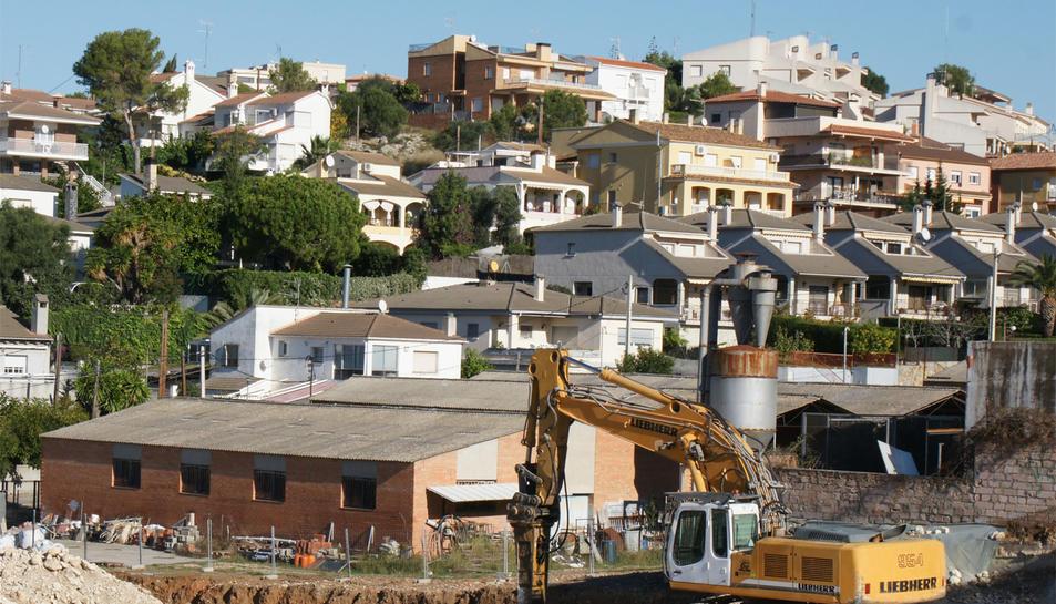 L'acord amb la propietat dels terrenys es deu al fet que operadors del sector de l'alimentació estan interessats a obrir un supermercat en aquest indret del municipi.