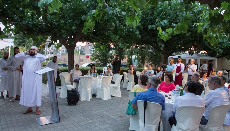 Una imatge de la celebració de la fi del dejuni, de l'any passat a Horts de Miró.