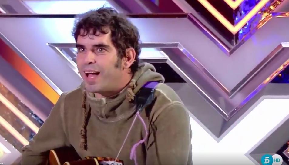 Imatge d'Oscárboles durant la seva aparició a la televisió.