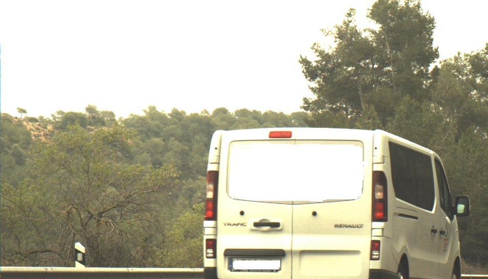 Imatge captada pels Mossos d'Esquadra en el control de velocitat a l'N-240 a Tarrés on es pot veure la furgoneta circulant a més de 190 quilòmetres per hora, el 14 d'abril de 2018