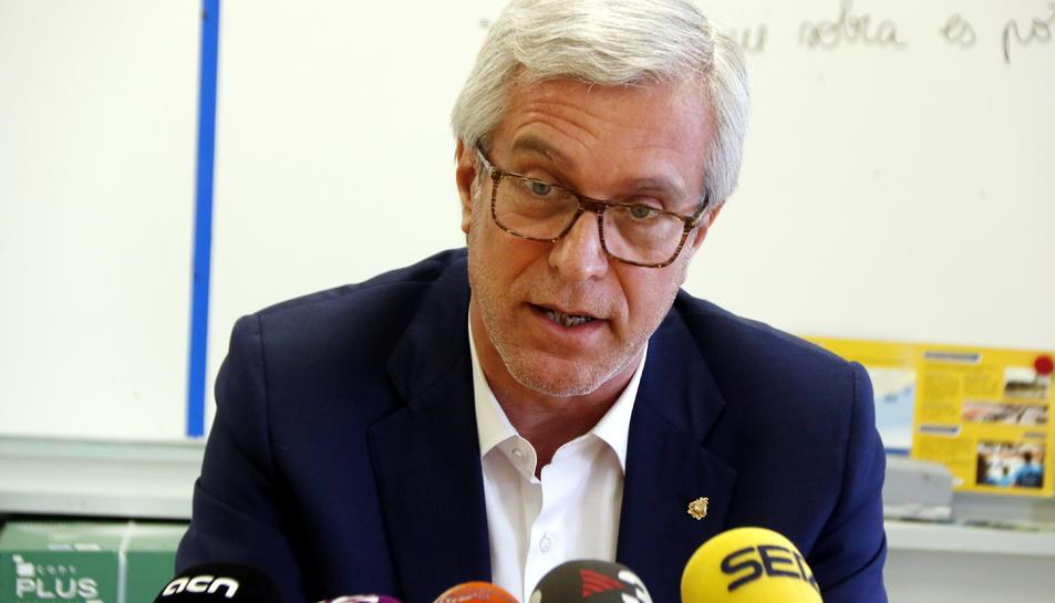 Pla mig de l'alcalde de Tarragona, Josep Fèlix Ballesteros, en roda de premsa el 16 d'abril del 2018