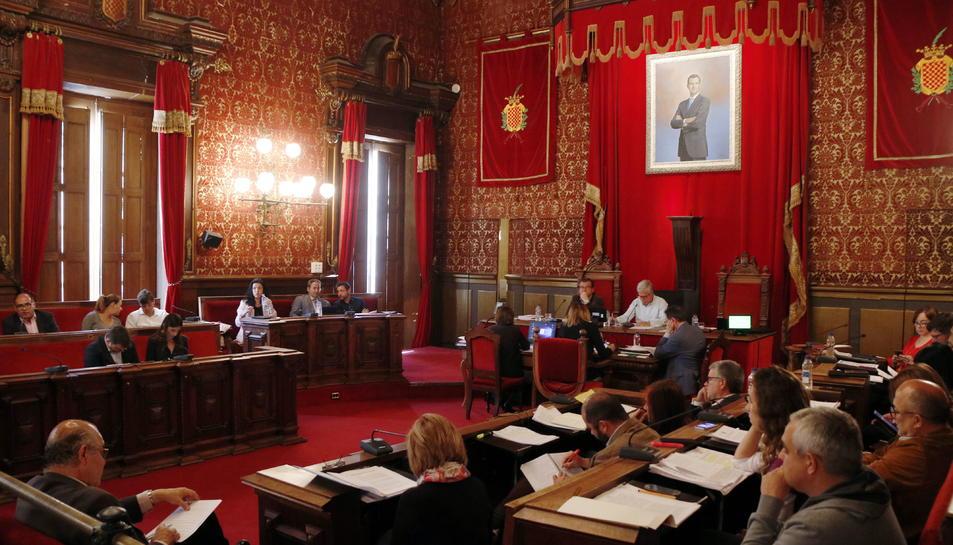 Imatge de la sessió plenària de l'Ajuntament de Tarragona.