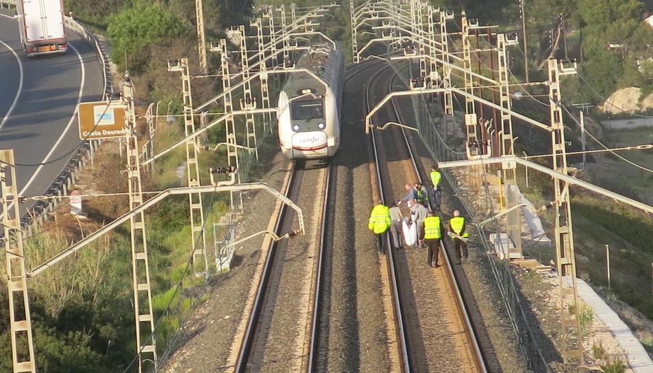 Una via es troba habilitada per que els trens segueixin circulant.