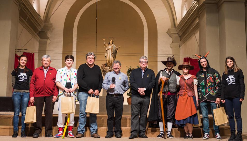 Totes les entitats participants a la 1a Mostra de Balls Parlats de la Catalunya Nord.