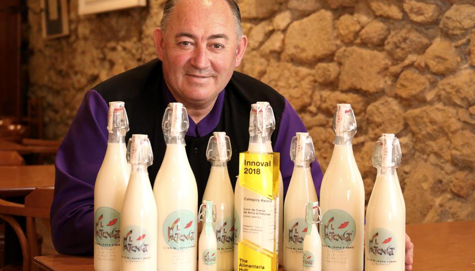 López és el propietari de la cafeteria restaurant La Caseta de les Tres Bessones, de Tarragona.