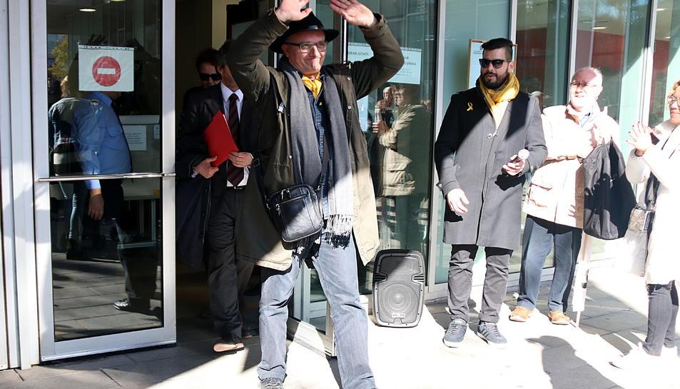 L'actor Toni Albà sortint dels jutjats de Vilanova i la Geltrú, després de declarar com a investigat, el 30 de gener de 2018