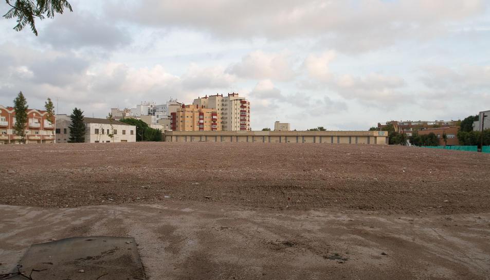 Una imatge d'arxiu de la parcel·la que va acollir la fàbrica, després que l'edifici fos demolit del tot.