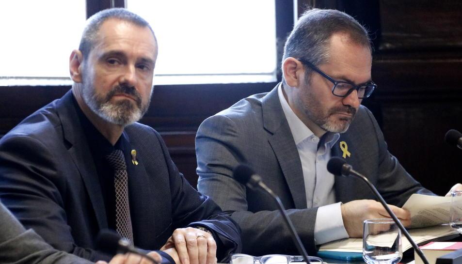 El vicepresident primer del Parlament, Josep Costa, i el secretari primer, Eusebi Campdepadrós, en una reunió de la Mesa.