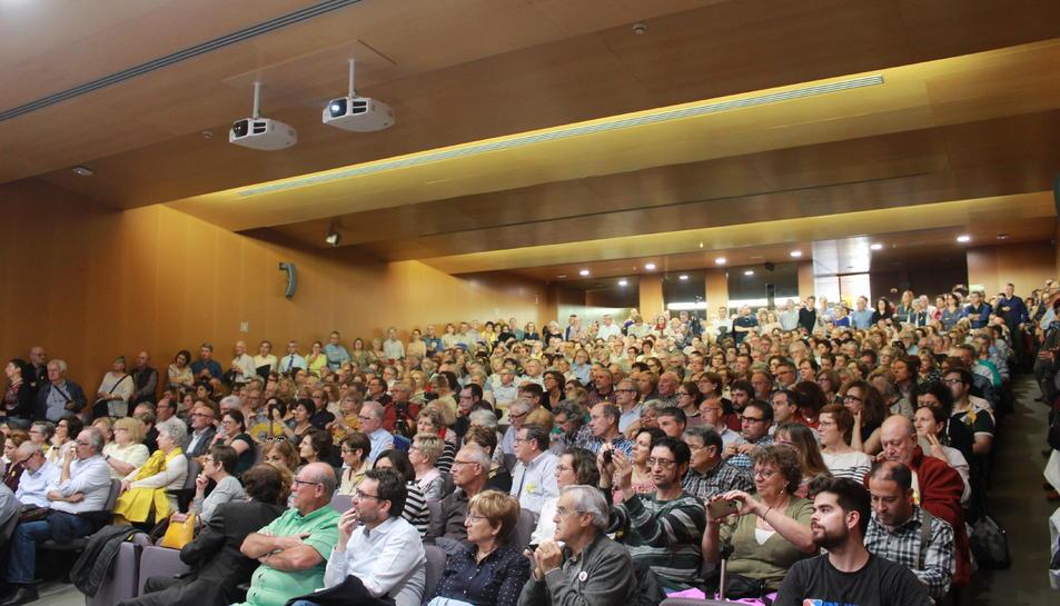 L'Aula Magna es va omplir completament per assistir a la xerrada, encapçalada per Cuevillas.