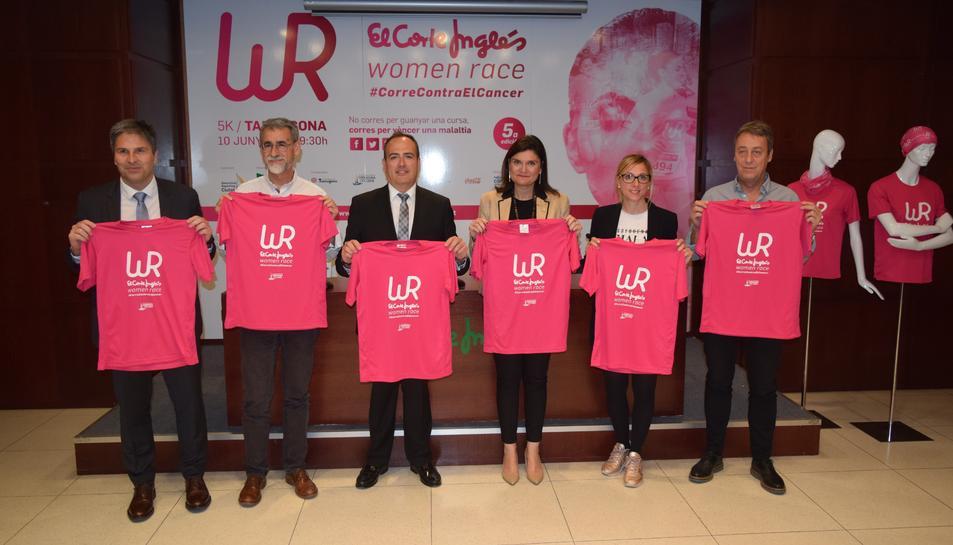 Polítics, representants d'El Corte Inglés i representants de l'esport, a la presentació.