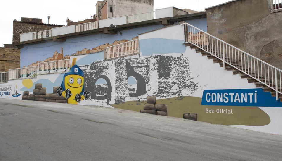 L'objectiu és dignificar i millorar aquests espais de la via pública amb un projecte artístic.