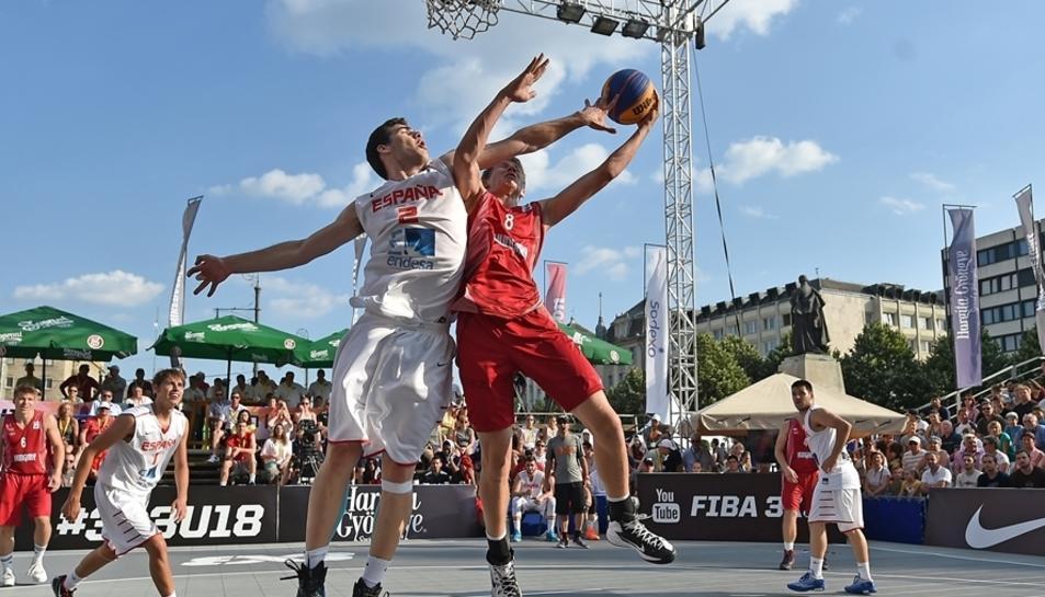 Imatge d'una competició de bàsquet 3x3.