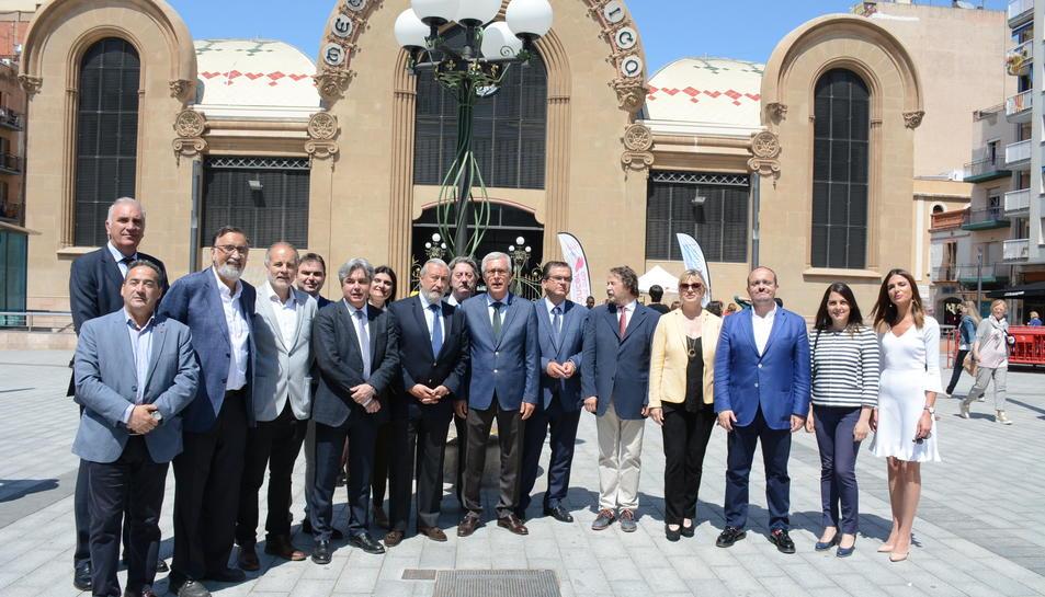 El secretari d'Estat d'Infraestructures del Ministeri de Foment, Julio Gómez-Pomar, ha inaugurat la plaça.