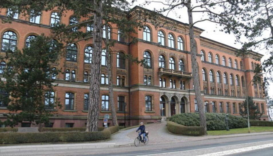 La seu de la fiscalia general del 'land' de Schleswig-Holstein i el tribunal superior del mateix 'land'.