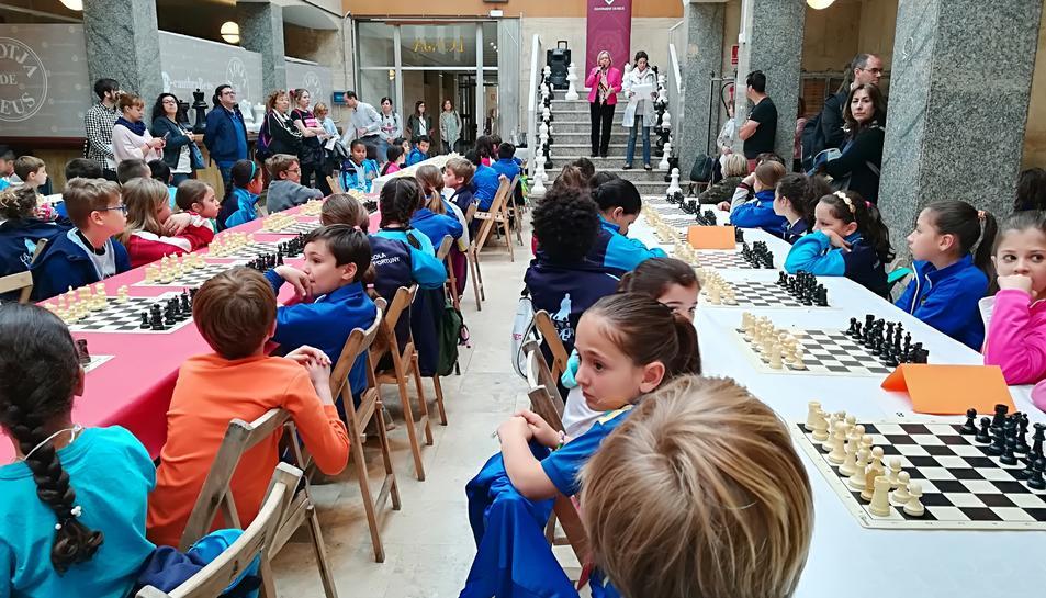 Imatge de la 4a Trobada d'escoles del projecte 'Escacs a l'Escola'.
