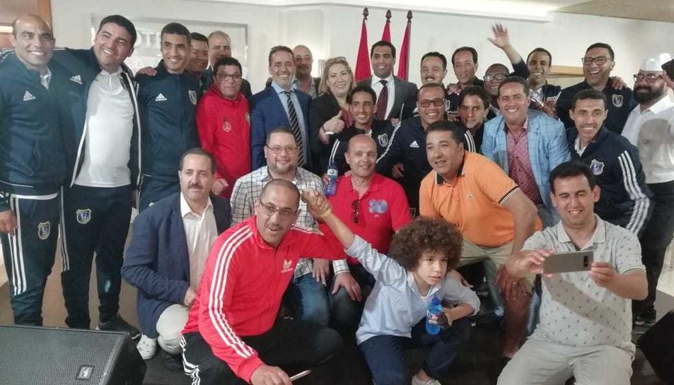Foto de família del cònsol amb els lletrats marroquins