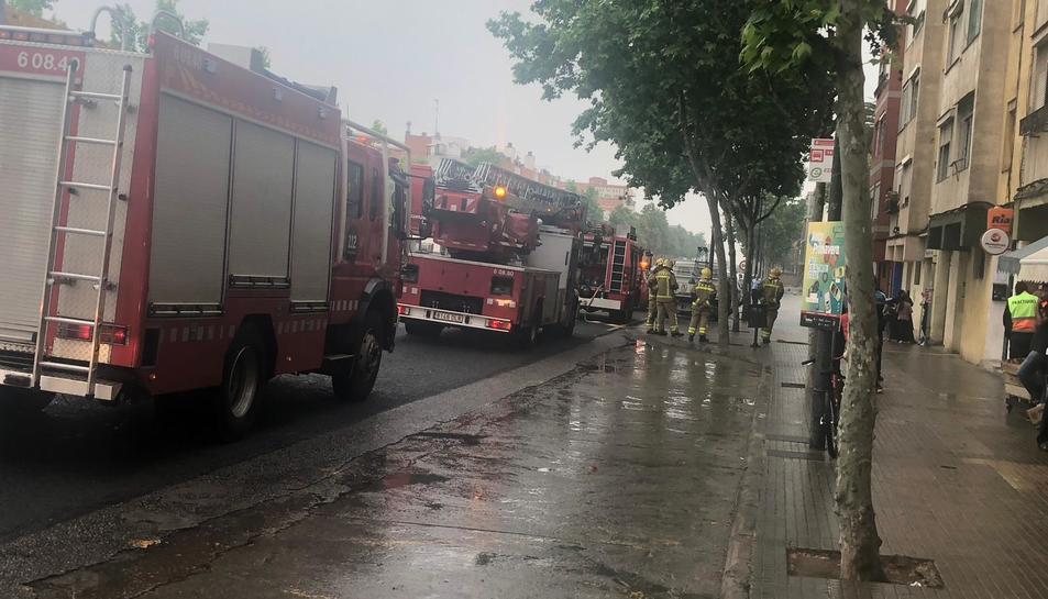 Tres dotacions de bombers han treballat per extingir el foc