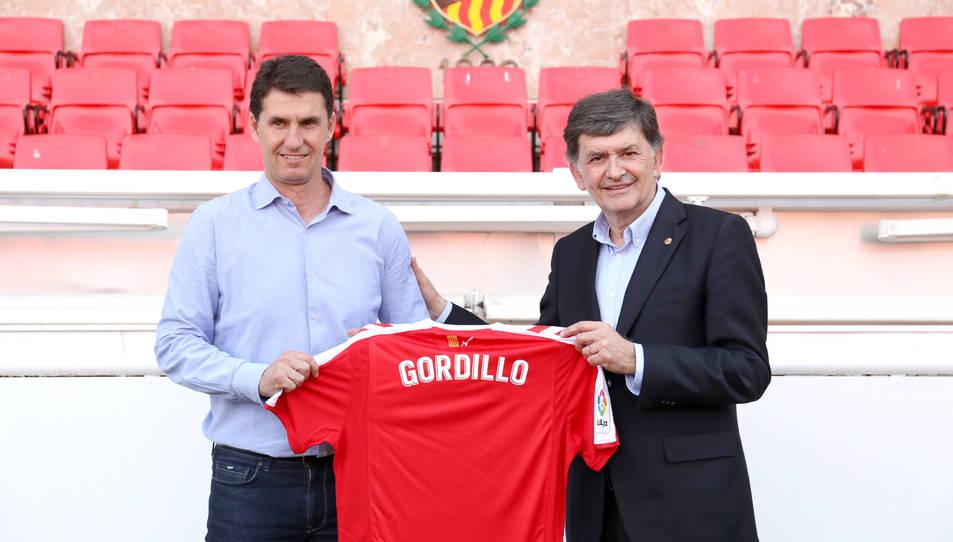 Jose Antonio Gordillo i Josep Maria Andreu amb la samarreta del Nàstic.