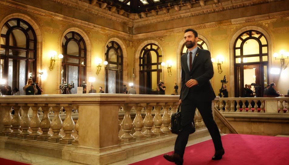 El president del Parlament, Roger Torrent, entrant al Parlament abans de la investidura de Quim Torra.
