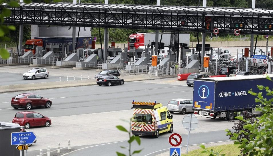 Imatge d'un peatge a una autopista francesa.