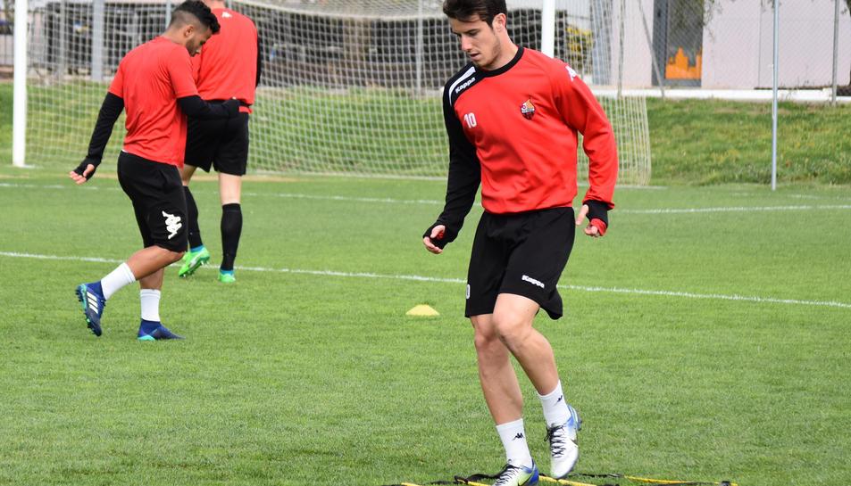 L'extrem Ricardo Vaz, durant un entrenament amb el seu equip a l'Estadi.