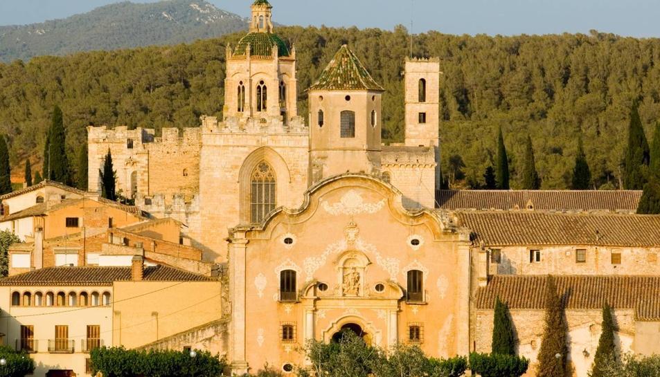 Imatge de l'exterior del Monestir de Santes Creus.