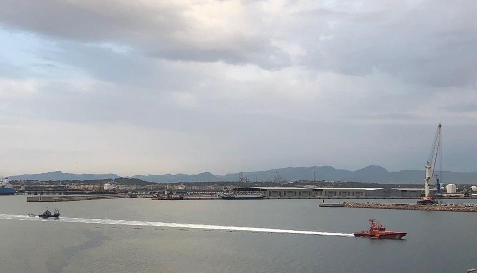 El pesquer Chimo es trobava a la deriva i ha estat remolcat fins al Port de Tarragona.
