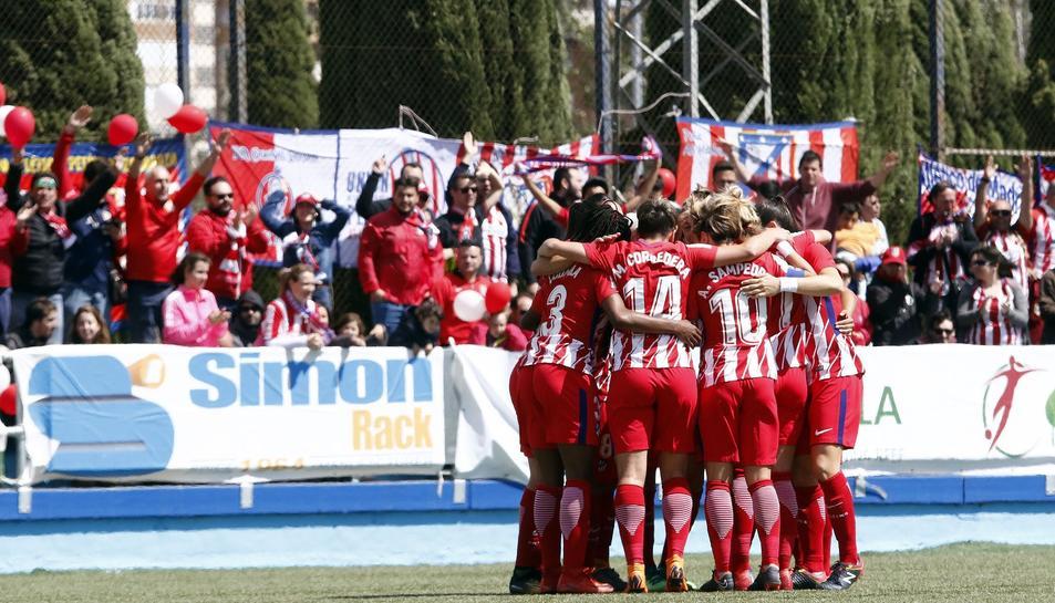 Les jugadores de l'Atlético, celebrant el triomf.