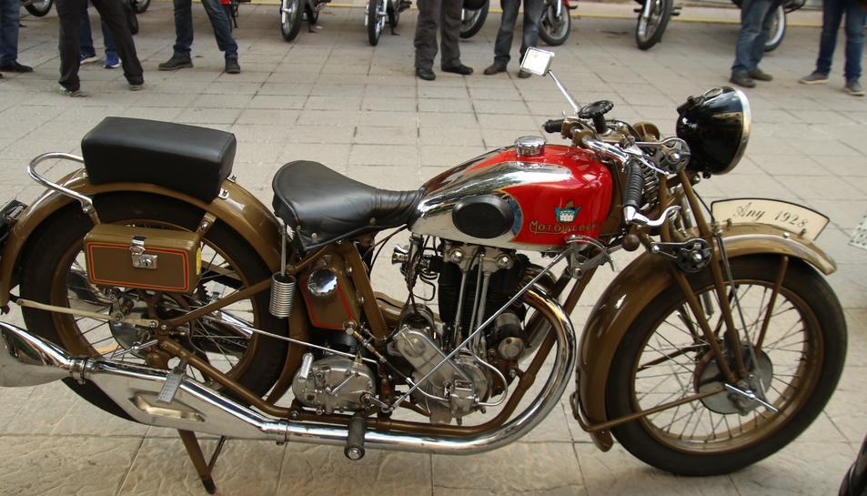 Les motos participants havien de ser de models fabricats abans del 1980.