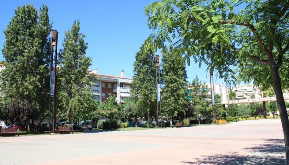 Imatge de la plaça de la Pau, on es plantarà l'arbre.