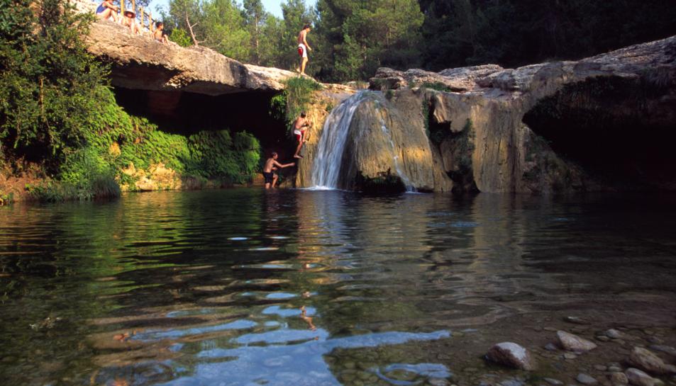 Una excursió per refrescar-se en un entorn bucòlic: el toll del Vidre i el Toll Blau