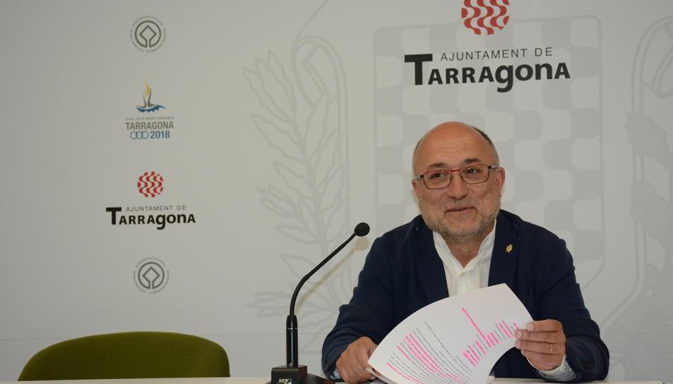 El regidor d'Educació de Tarragona, Francesc Roca, ha explicat les inversions que es realitzaran en els diversos centres educatius.