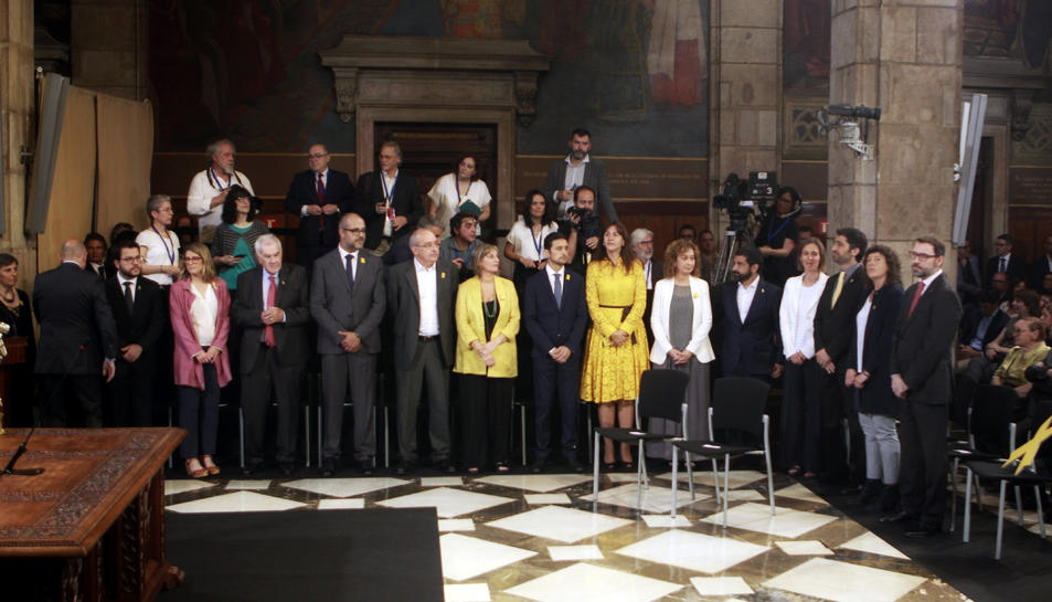 Els futurs consellers en l'acte de presa de possessió del nou Govern