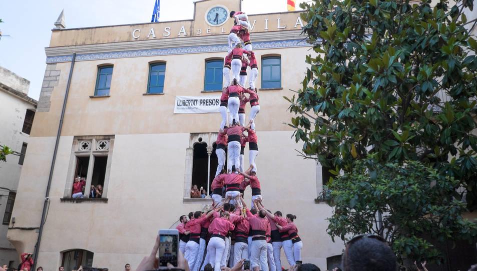 4de9f de la Colla Vella dels Xiquets de Valls a la diada de la festa major de La Selva del Camp