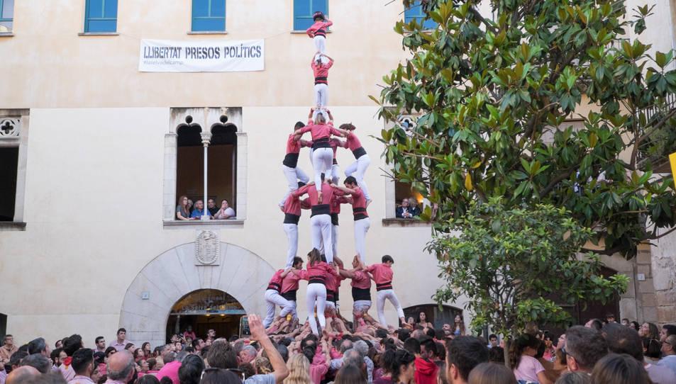 4de8a de la Colla Vella dels Xiquets de Valls a la diada de la festa major de La Selva del Camp