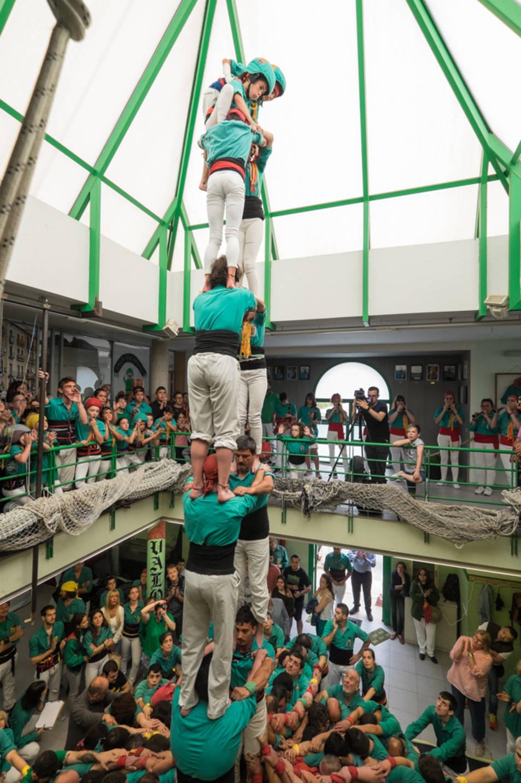 2de7 dels Castellers de Sant Pere i Sant Pau a la Diada del Local