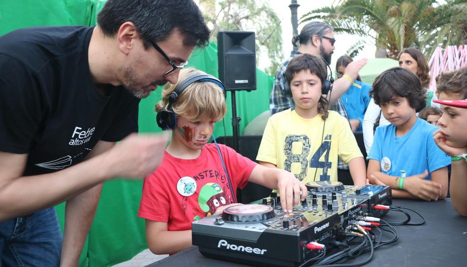 Un dels tallers que han pogut fer els infants al festival