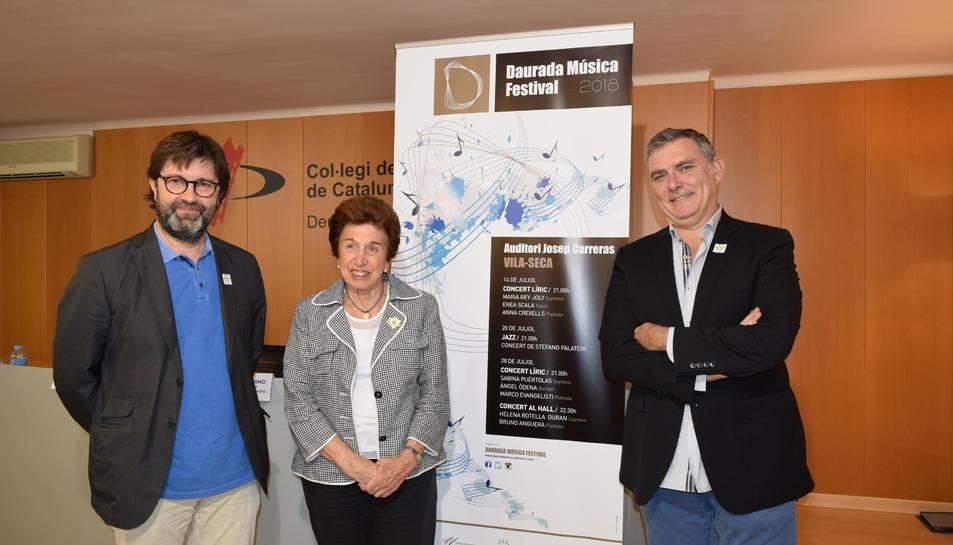 Pep Solórzano, programador de l'Auditori, Ana Vilallonga, presidenta de l'AECC Tarragona i Àngel Òdena, director artístic del festival.