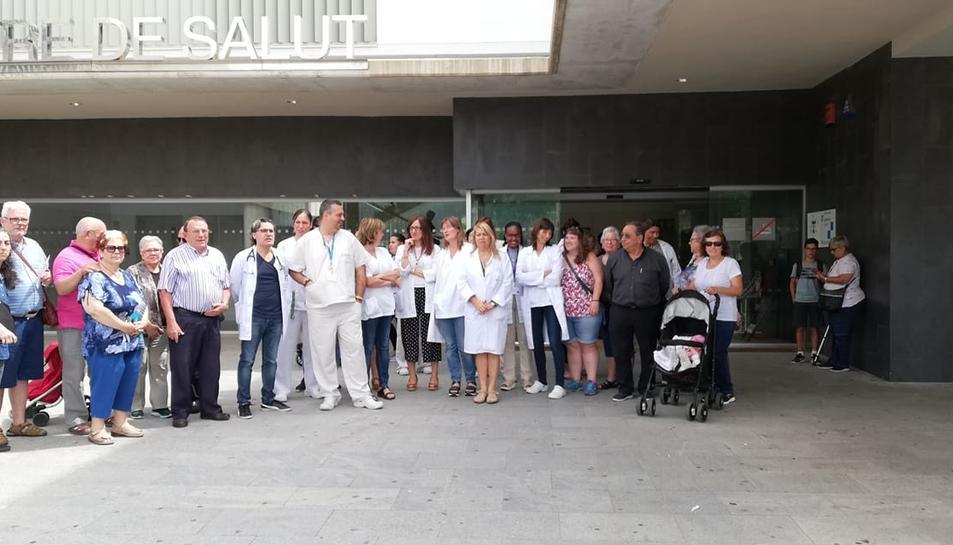 Una trentena de persones es van concentrar la setmana passada a l'ABS de Vila-seca.