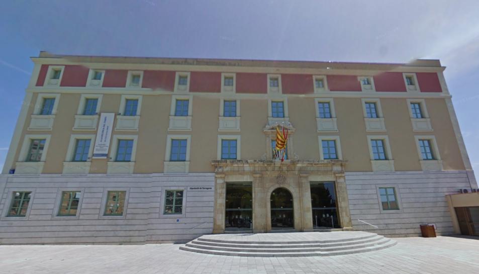 Façana de la Diputació de Tarragona.