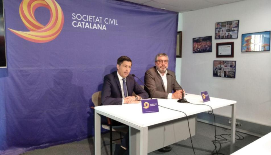 José Rosiñol i Sixto Cadenas han presentat el projecte titulat 'Tots amb la Selecció Espanyola'.