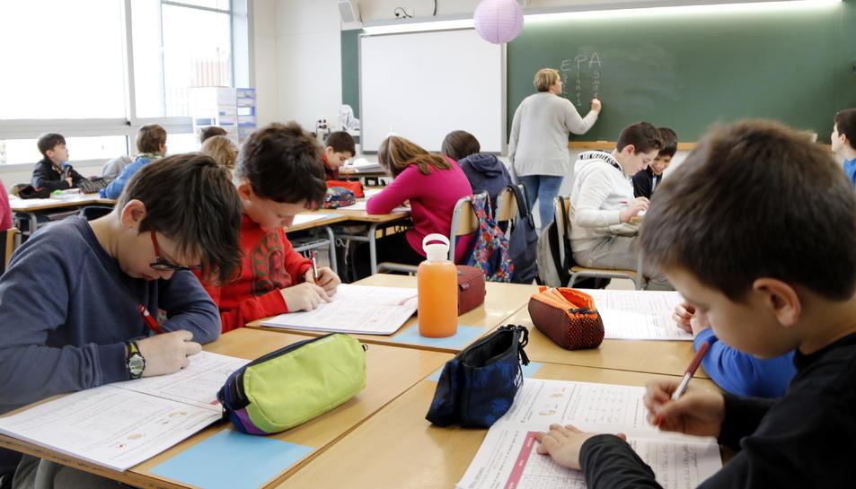 Els docents de primària i secundària denuncien que han patit un deteriorament de les condicions laborals.