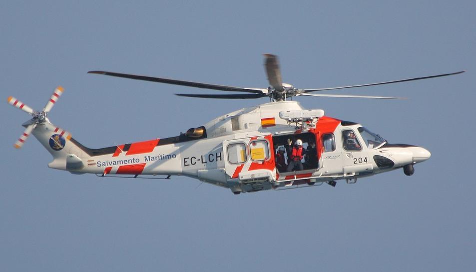 Un helicòpter de Salvament Marítim va aconseguir localitzar la dona, però va arribar morta a l'aeropport de Reus.