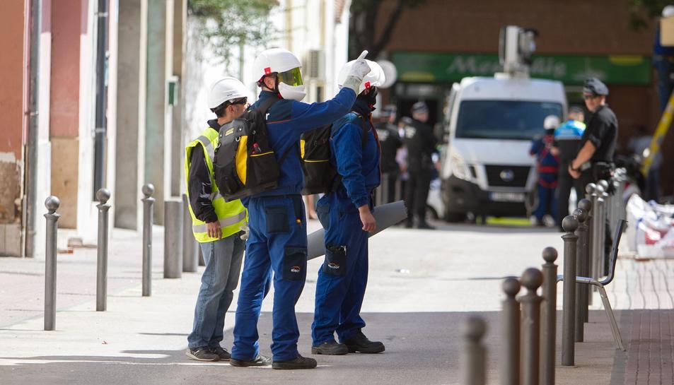 Operaris d'Endesa han tornat al barri de Mas Abelló de Reus davant les sospites que s'han pogut fer reconnexions de llum.