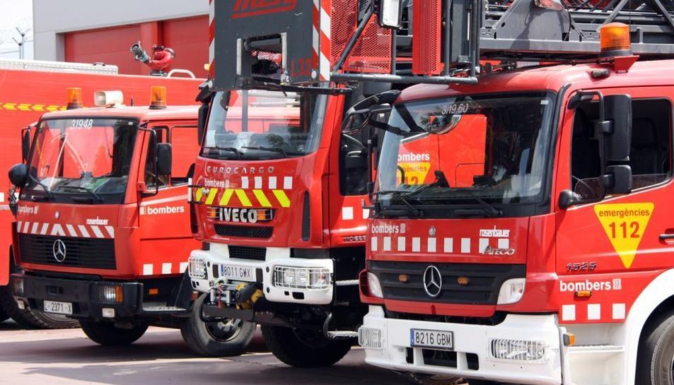 Els bombers reclamen la millora dels materials i els equipaments.