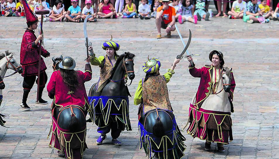 Imatge d'arxiu del Ball de Cavallets en l'actuació de lluïment del dia de Sant Pere.